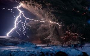 volcano-eruption-lightning chaos